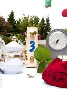 Alice im Wunderland Hochzeit - Alice in Wonderland Wedding mit im Hochzeitsfieber und Fotomania Kassel  www.tablescapesbydesign.com https://www.facebook.com/pages/Tablescapes-By-Design/129811416695