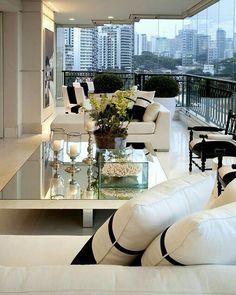Bom diaaaaa queridos Bom feriado. Varanda e living P&B, em plena sintonia!!! Um luxo só! Projeto @chris_hamoui. . #bomdia #goodmorning #buendía #bonjour #feriado #monday #segundona #varanda #living #blackandwhite #homedecor #decor #decoration #arquitetura #instadecor #chic #saopaulo #designdeinteriores #archdesign #meinspireinofabiarquiteta #fabiarquiteta #blogfabiarquiteta