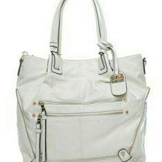 *NWT* Jessica Simpson Marley Tote *NWT* Jessica Simpson Marley Tote, cream color. The front on mine is slightly different as shown in pic 4. Really cute bag ! Rn 100583. Jessica Simpson Bags Totes