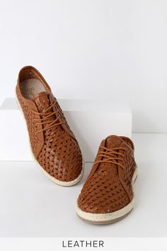 The Seychelles Retro Row Cognac Leather Woven Espadrille Oxford are old school style with a trendy twist! Woven genuine leather oxfords with espadrille soles. Espadrille Sneakers, Suede Sneakers, Espadrilles, Hidden Wedge Sneakers, Leather Weaving, Clearance Shoes, Suede Leather, Leather Shoes, Trendy Shoes