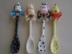 DIY Crafts and Projects added a new photo. Wooden Spoon Crafts, Wooden Spoons, Diy And Crafts, Arts And Crafts, Cake Decorating With Fondant, Spoon Art, Kitchen Jars, Crafts For Seniors, Polymer Clay Crafts