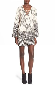 jella c. Print Bell Sleeve Shift Dress
