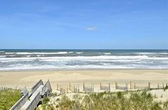 Raise your hand if you would like this gorgeous view for your entire vacation. Elan Vacations has made it easy to search all their oceanfront properties in one easy click! Find your perfect vacation rental today!