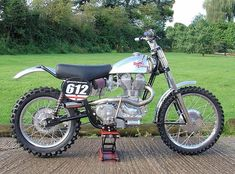 1959 @royalenfield 612 Bullet #scrambler by Hitchcocks Motorcycles built for classic scrambling and hill climbs on a lightweight Crusader-based frame.