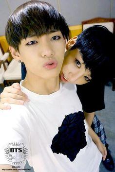 Bangtan Boys ❤ Taehyung (v) & Jungkook (kook)