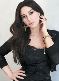 Monica Bellucci in Dolce&Gabbana Spring Summer L`Officiel France June/July 2014 - Monica Bellucci, Most Beautiful Women, Beautiful People, Gorgeous Girl, Beautiful Dream, Beauty And Fashion, Italian Beauty, Italian Women, Italian Actress