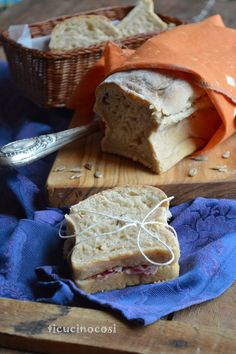pane in cassetta con semi di girasole
