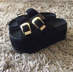 Tibetana Zapatos Cute Shoes, Me Too Shoes, Magic Shoes, Dumpster Diving, Flip Flop Shoes, Hippie Gypsy, Platform Sneakers, Wedge Shoes, Kicks