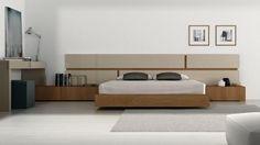 Dormitorio en tonos claros y mesillas en madera Bedroom Bed Design, Home Room Design, Master Bedroom, Bedroom Furniture, Furniture Design, Bedroom Decor, Bed Back, Cozy Room, Minimalist Bedroom
