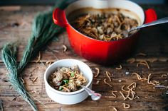 Molly Yeh - Chinese Hot Dish (Similar to a casserole) Mac And Cheese Casserole, Casserole Dishes, Casserole Recipes, Crispy Noodles, Beef Pies, Fried Shallots, Beef And Rice, Cream Of Chicken Soup, Kitchens