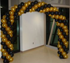 Black And Gold Arch For Foothill Highschool Wrestling Team Event! Hollywood Party Decorations, Balloon Decorations Party, Birthday Party Decorations, Party Themes, Party Ideas, Prom Balloons, Valentines Balloons, Black And Gold Balloons, Black Gold Party