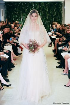 Carolina Herrera Bridal Spring 2016 Wedding Dresses | Wedding Inspirasi