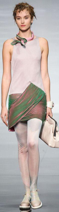Emporio Armani Spring 2014 Ready-to-Wear
