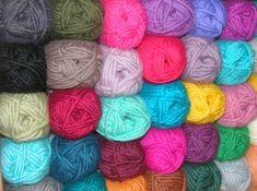 Filzwolle Nr.1 erhältlich in vielen zauberhaften Farben bei www.supergarne.com