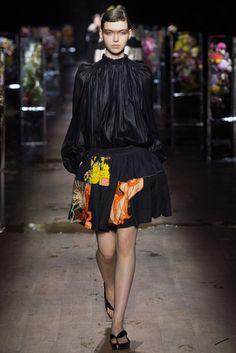2017春夏プレタポルテ - ドリス ヴァン ノッテン(DRIES VAN NOTEN) ランウェイ|コレクション(ファッションショー)|VOGUE JAPAN