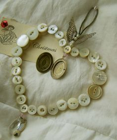 Sweet Meas Home-Made Vintage: Button Craft