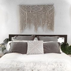 """2,422 Likes, 119 Comments - S A M A N T H A W I L L S (@samanthawills) on Instagram: """"Finally got around to hanging my new knotted macrame wall hanging by @macramania , in my bedroom…"""""""