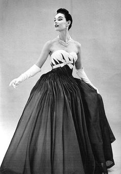 Strapless evening gown by Pierre Balmain, 1952