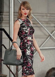 Taylor Swift hot outfit