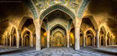 Fotógrafo iraniano registra a perfeição das mesquitas em seu país
