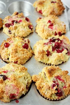 The Best Orange Cranberry Muffins - Food Recipe Cranberry Orange Muffins, Cranberry Recipes, Fall Recipes, Cranberry Sauce, Muffin Recipes, Sweet Bread, Coffee Cake, Clean Eating Snacks, Sweets