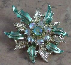 1960s vintage flower brooch with rhinestones & enamel | vintage jewellery | Jewels & Finery UK