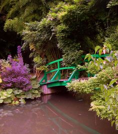 Monet's Garden in Giverny  posted by jacksparrow/Pixdaus