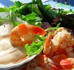 Old Bay Prawns/Shrimp in Wine With a Spicy Cream Dip