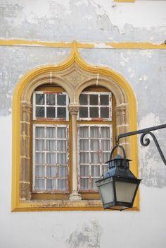 Évora, Portugal Old Doors, Windows And Doors, Door Knockers, Door Knobs, Evora Portugal, Dark Weather, Standard Lamps, Window Dressings, Window View