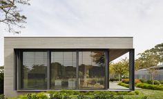 links courtyard house  ~ incarc architects