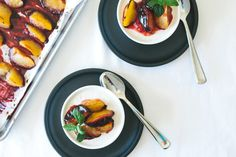 The most delicious nectarine panna cotta you've ever tasted (which also happens to be dairy-free and refined sugar-free). A triple win for a perfect dessert...