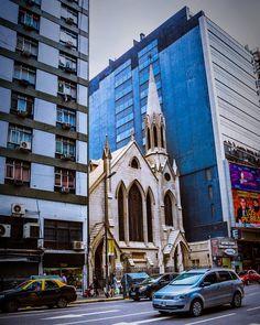 Buenos Aires Gotica   Explorando la city porteña   Primer iglesia Metodica de America Latina   #ig_buenosaires #bsas_streetphotography #streetstyle #streetphotography #buenosaires #ciudadporteña #urban #citybuenosaires #nikon #photography #igers #arquitectura #arquitecturaphotography #porbsaires #urbanosaires #urbanstyle #urbanstreet