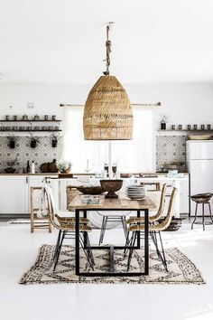 Bohemian Interior Design You Must Know Design Rustic Scandinavian Dining Chic Modern Luxury Vintage Decorating DIY Colors Dark Boho Bedroom Living Room Minimalist Eclectic Style Gipsy Decoration Urban Outfitters Restaurant Art Livingroom Natural Beach T Interior Design Kitchen, Dining Room Design, Rustic House, Sweet Home, Decor, House Interior, Bohemian Kitchen, Minimalist Living Room, Kitchen Interior