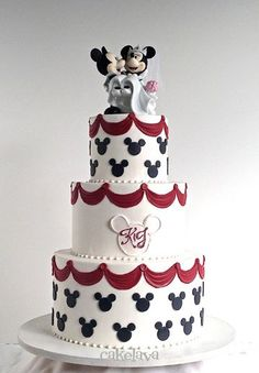 Just Married, Mickey and Minnie Mouse toppers - cakelava