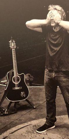 Bon Jovi Live, Jon Bon Jovi, Bon Jovi Always, Last Man Standing, Number Two, The Beatles, My Love, Concert, Photography Music