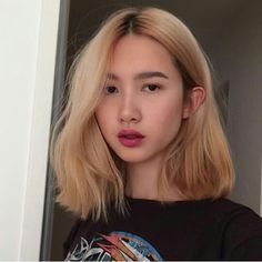 salon Tattoo tattoo parlors near me Blonde Asian Hair, Hair Color Asian, Asian Short Hair, Blonde Hair Makeup, Bob Hair Color, Haircut And Color, Artemis Crock, Aesthetic Hair, Curtido