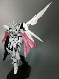 MODELER: Hi-to  MODEL TITLE: Gundam Fenice Rinascita ~Penna Bianca~  MODIFICATION TYPE: custo color scheme, custom decals, scratch built pa...