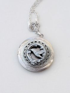 Hummingbird Locket Locket,Jewelry,Pendant Necklace,Silver Locket,Leaf,Bird,Antique Style,Jewelry Gift,Locket Necklace,Wedding Necklace by emmalocketshop on Etsy https://www.etsy.com/listing/218363714/hummingbird-locket-locketjewelrypendant