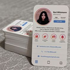 Explore more than business cards to create a professional identity in any field. Graphisches Design, Layout Design, Logo Design, Cover Design, Display Design, Menue Design, Cv Inspiration, Business Card Design Inspiration, Entrepreneur Inspiration