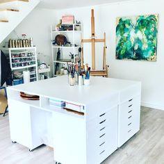 Studio space Sewing Room Design, Craft Room Design, Sewing Rooms, Interior Design Studio, Home Office Design, House Design, Studio Design, Garage Art Studio, Art Studio Room