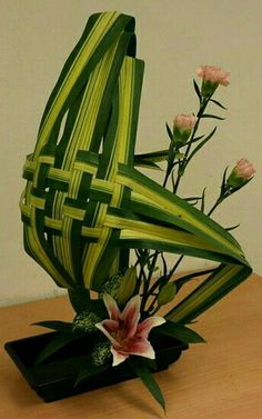 Contemporary Flower Arrangements, Tropical Flower Arrangements, Creative Flower Arrangements, Ikebana Flower Arrangement, Church Flower Arrangements, Ikebana Arrangements, Flower Bouquet Wedding, Flower Decorations, Flower Designs