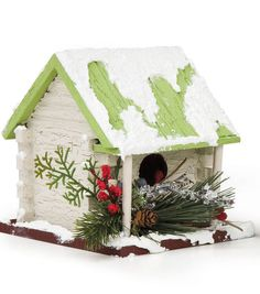 Create a home for the birds with this rustic Christmas birdhouse! #simplycreativechristmas
