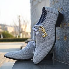 Fashion Lace-up Office Shoes Mens Pointed Leather Shoes Winter Male Business Shoes Canvas Mens Dress Shoes - Men Dress Shoe - Ideas of Men Dress Shoe - Mens Business Casual Shoes, Business Shoes, Gentleman Shoes, Mens Fashion Shoes, Shoes Men, Fashion Boots, Men's Shoes, Shoes Style, Buy Shoes