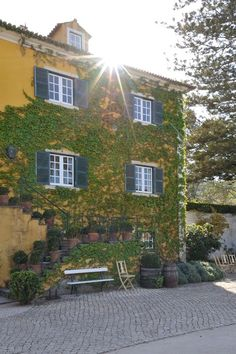 Quinta de Sant'Ana Mansions, House Styles, Photo Dream, Wedding Shot, Pictures, Manor Houses, Villas, Fancy Houses, Palaces