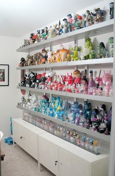 One day I'll have a house large enough in which I can have a display like this one.