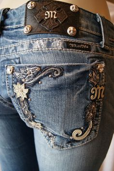 Love the design of the bling on these Miss Me jeans. *