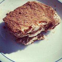 """Gefällt 66 Mal, 11 Kommentare - Melly (@lowcarbkoestlichkeiten) auf Instagram: """"Während die Anderen Hefekuchen essen, genieße ich mein Kohlenhydrate freies Tiramisu :) yammmiiii…"""""""