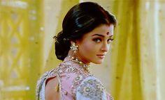 it's alright, señorita Aishwarya Rai Movies, Aishwarya Rai Makeup, Aishwarya Rai Photo, Actress Aishwarya Rai, Aishwarya Rai Bachchan, Bollywood Actress, Vintage Bollywood, Dress Indian Style, Indian Outfits