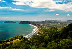 Jacó, located on the Pacific Coast, is popular for its rain forest and pristine beach.