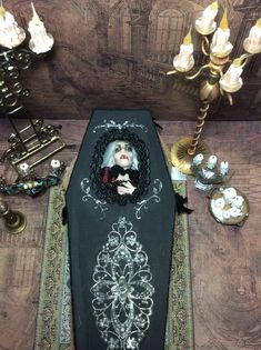 Haunted Dollhouse, Haunted Dolls, Dollhouse Ideas, Halloween Miniatures, Halloween Doll, Halloween House, Gothic Dolls, Art For Art Sake, Doll Maker